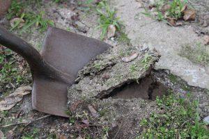 Ground-Breaking-Shovel4-300x200